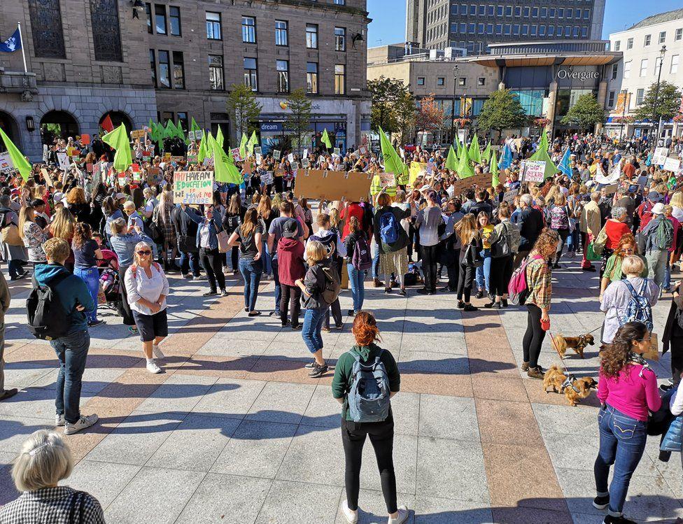 Dundee demo
