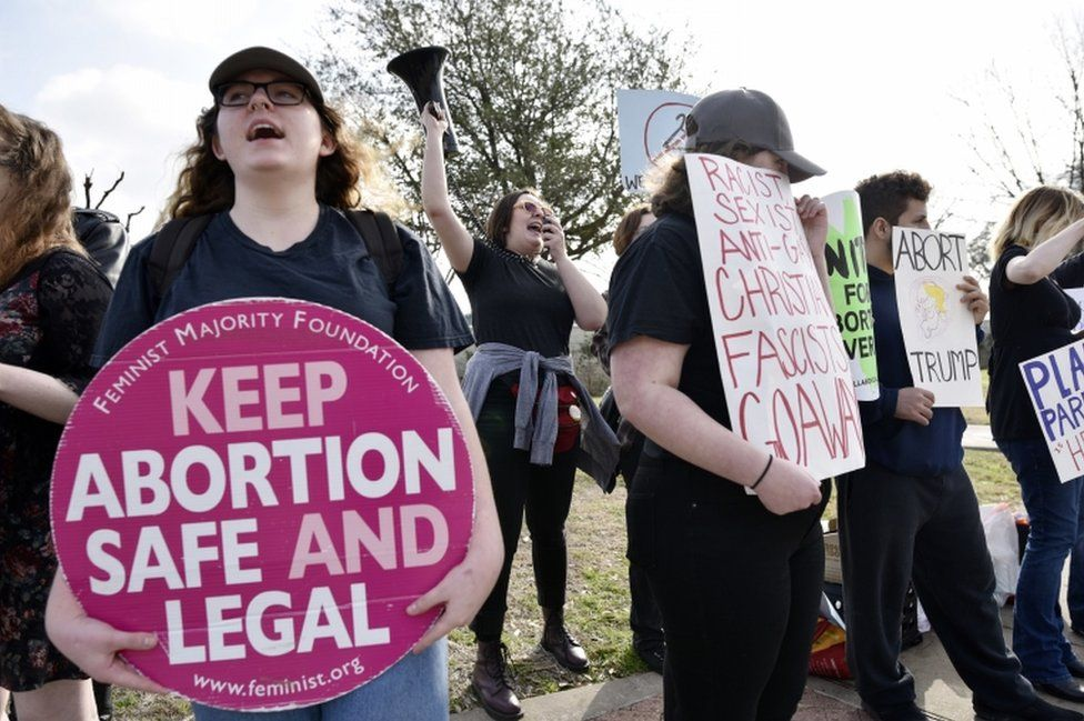 Abortion rights supporters chant slogans during a rally outside the Planned Parenthood South Dallas Surgical Health Services Center, on 11 February 2017.