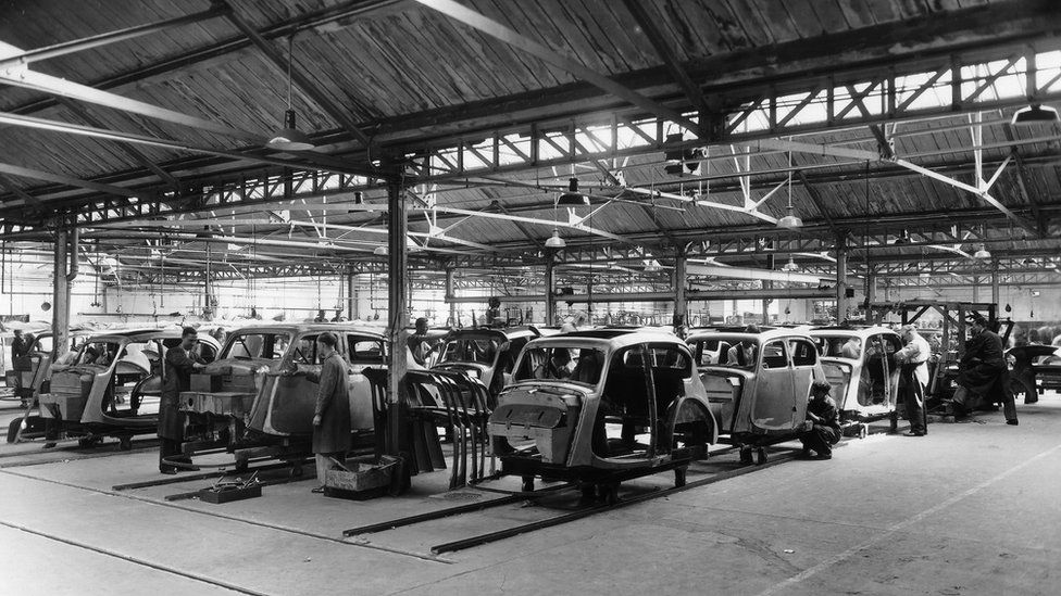 Rootes production in the 1930s at Humber Road
