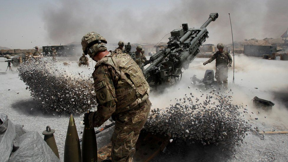 Army soldiers from the 2nd Platoon, B battery 2-8 field artillery - 2011