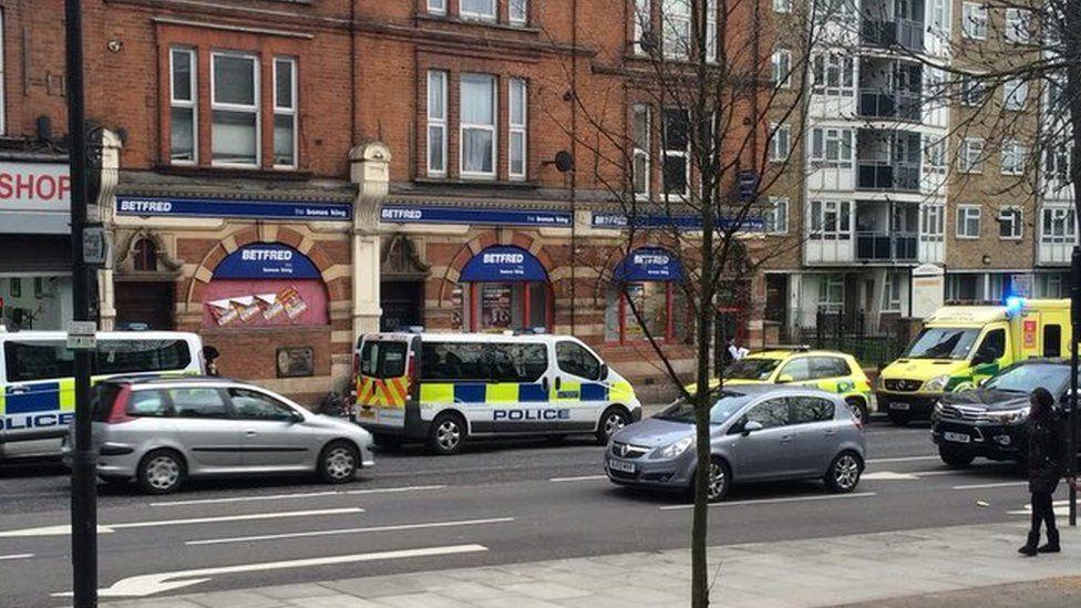 Scene on Upper Clapton Street