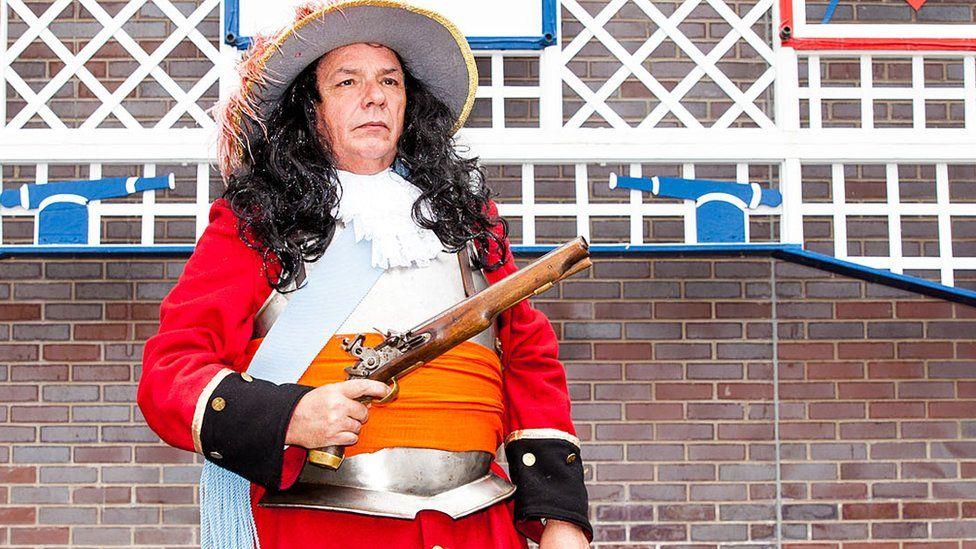 Man dressed as King William III