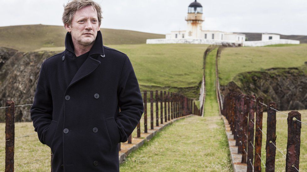 """Douglas Henshall in """"Shetland"""""""