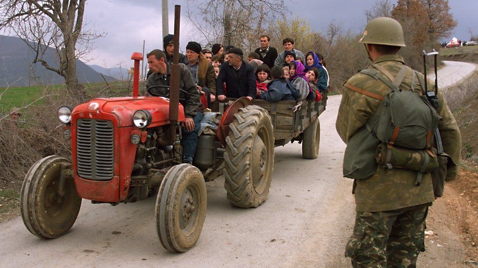 Refugees fleeing Kosovo during the crisis of 1999