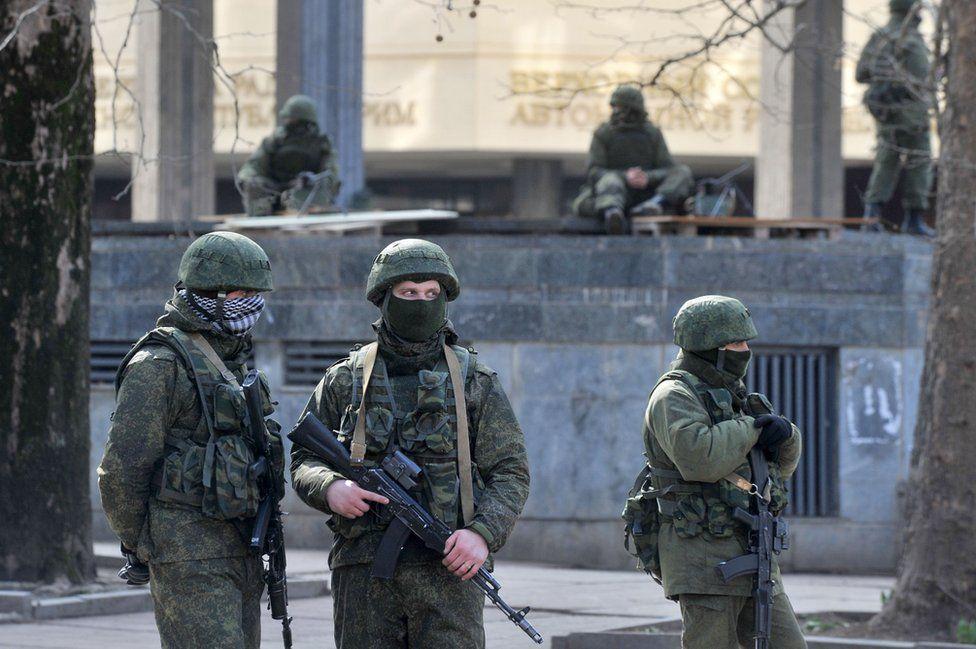 Pro-Russian troops in Simferopol, 1 Mar 14