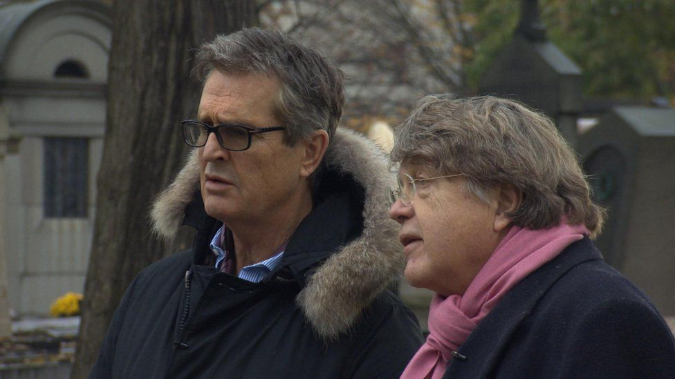 Rupert Everett and Merlin Holland, grandson of Oscar Wilde, during filming in Paris, for Edward Carson And The Fall Of Oscar Wilde