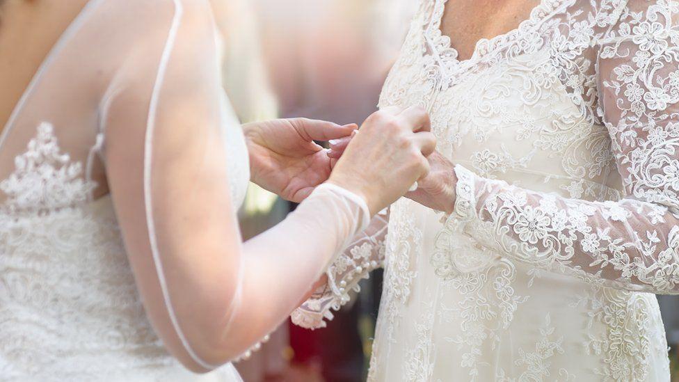 two women get married