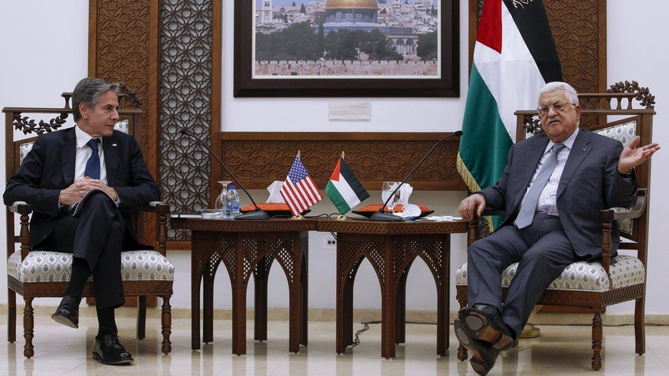 US Secretary of State Antony Blinken and Palestinian President Mahmoud Abbas speak to reporters in Ramallah, in Ramallah, in the occupied West Bank (25 May 2021)