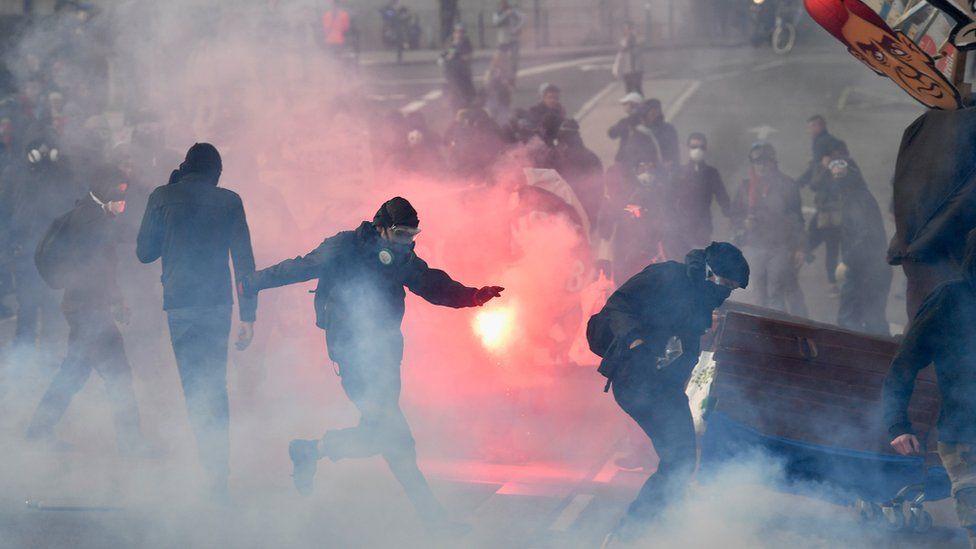 Anti-FN protesters in Nantes, 25 Feb 17
