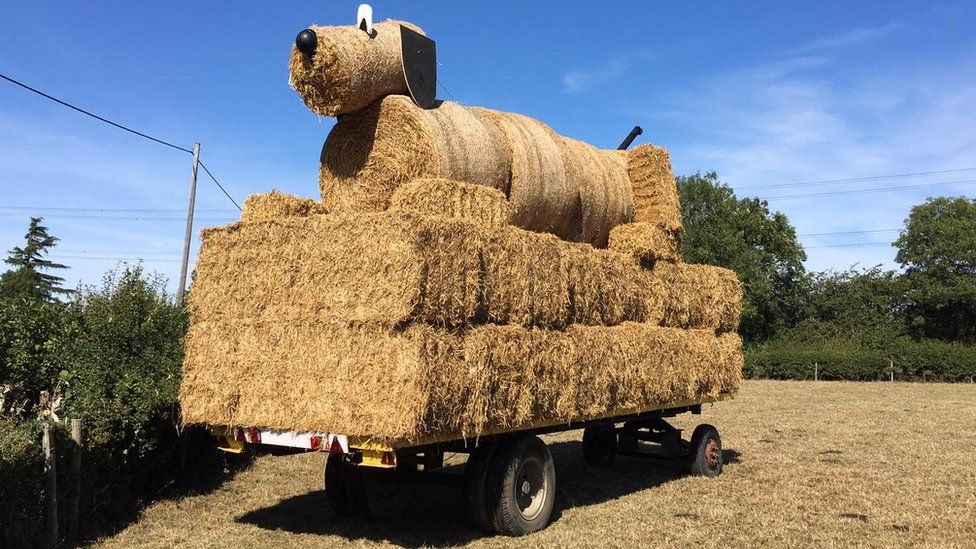Giant straw bale dog sculpture in Stanbridge destroyed by fire