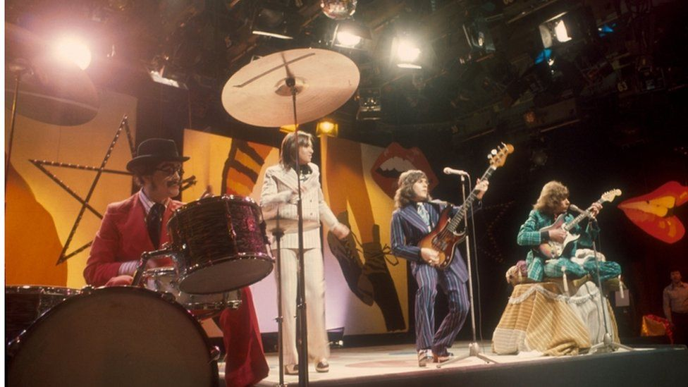 Mud perform on Top of the Pops