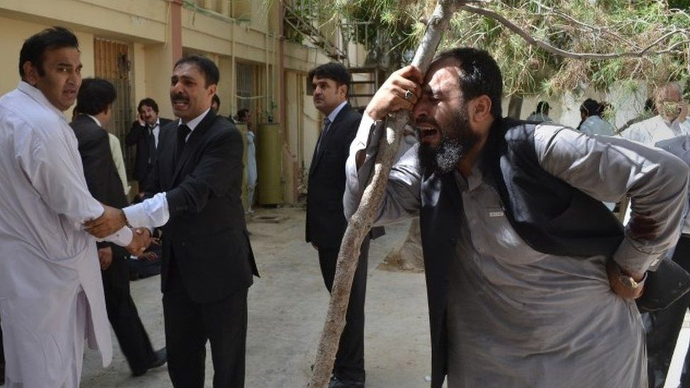 Pakistani lawyers in Quetta mourning their colleagues