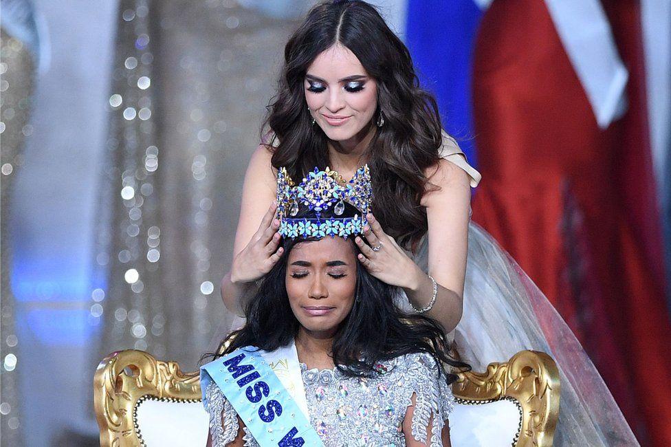 Toni-Ann receiving her crown.