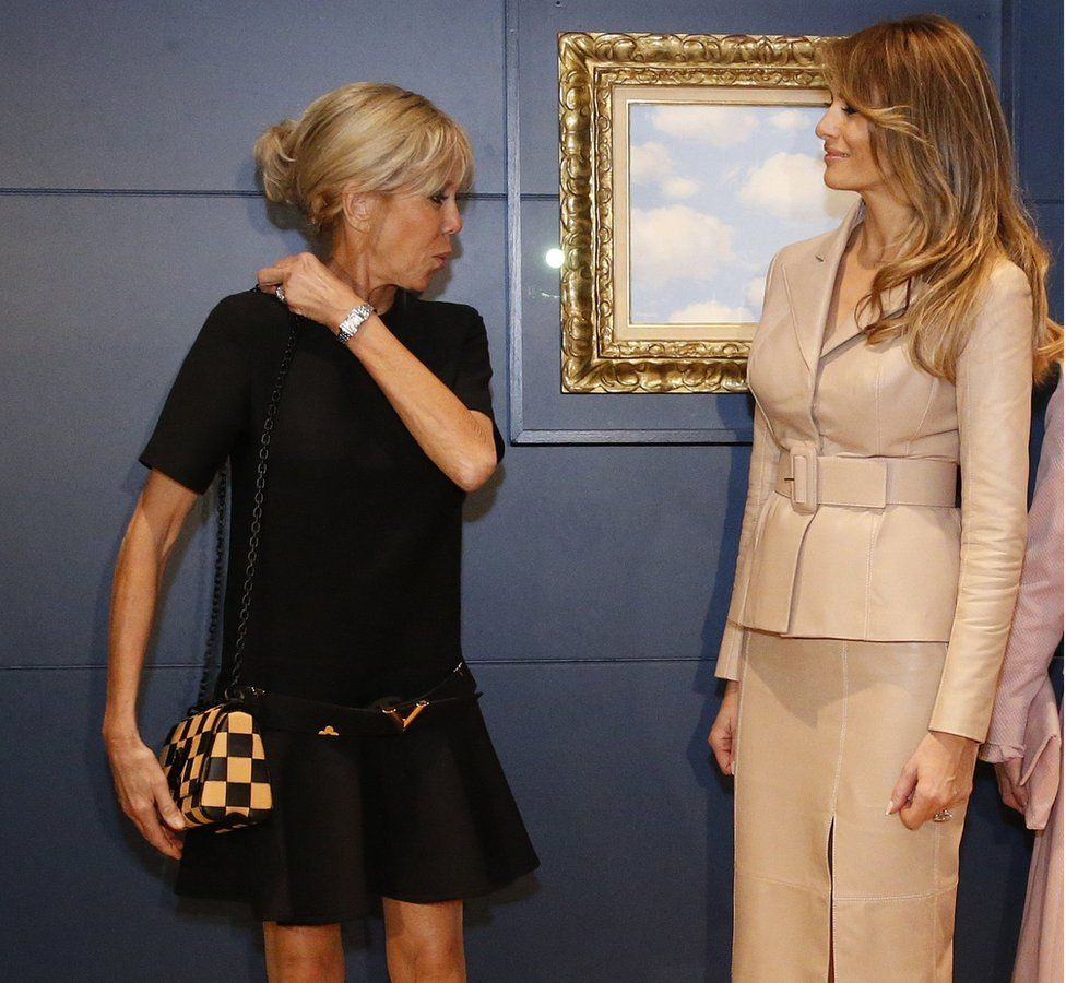 Brigitte Macron (L) and Melania Trump at the Magritte Museum in Brussels, 25 May