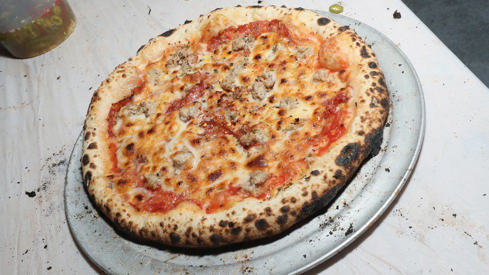 a picture of pizza