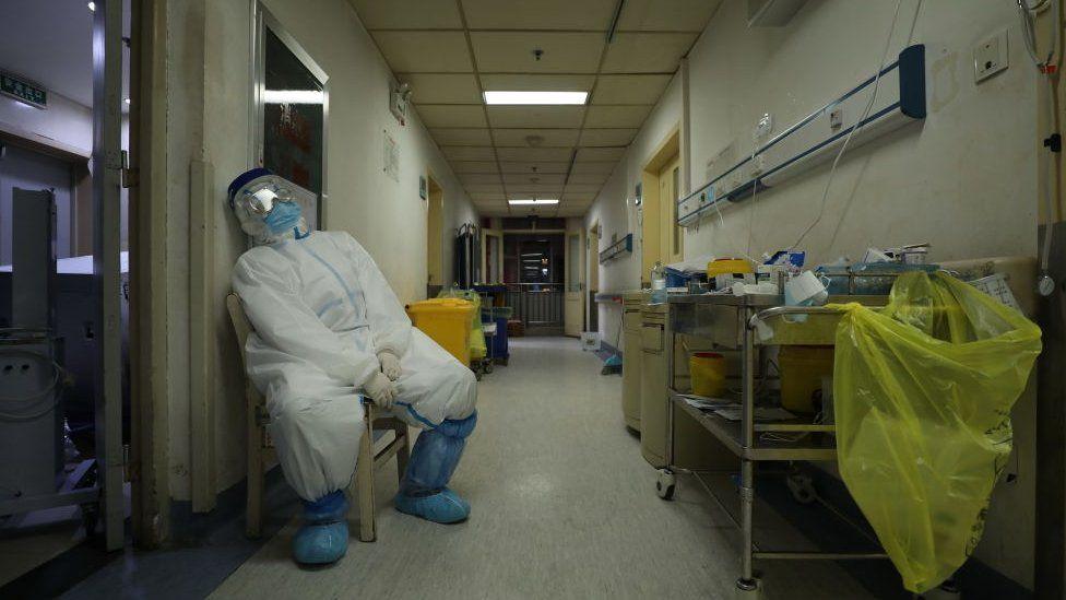 封城之后,在疫情的高压下,武汉医疗和生活资源紧张,各种问题浮出水面