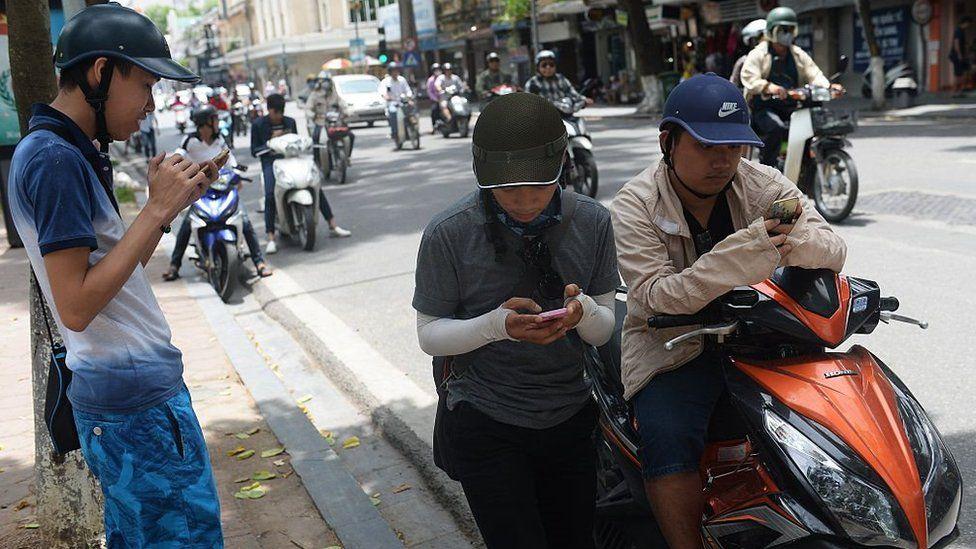 Vietnam smartphone users