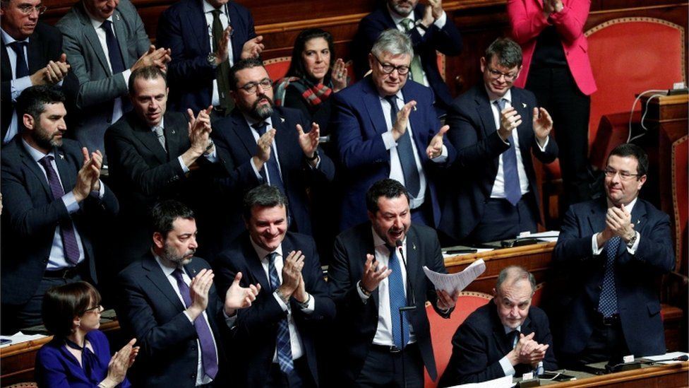 Senators clap Salvini
