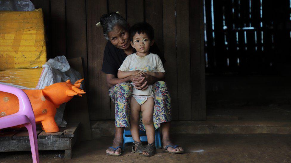 Aung San Suu Kyi's Myanmar dam dilemma with China - BBC News