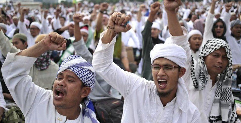 "Protests against Basuki ""Ahok"" Tjahaja Purnama in Jakarta (2 Dec 2017)"