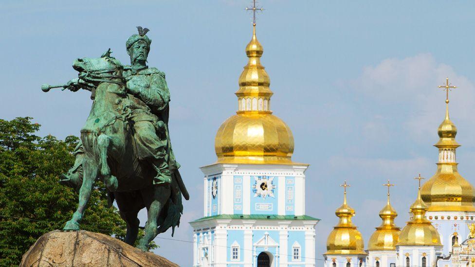 Bohdan Khmelnytsky statue in Kiev