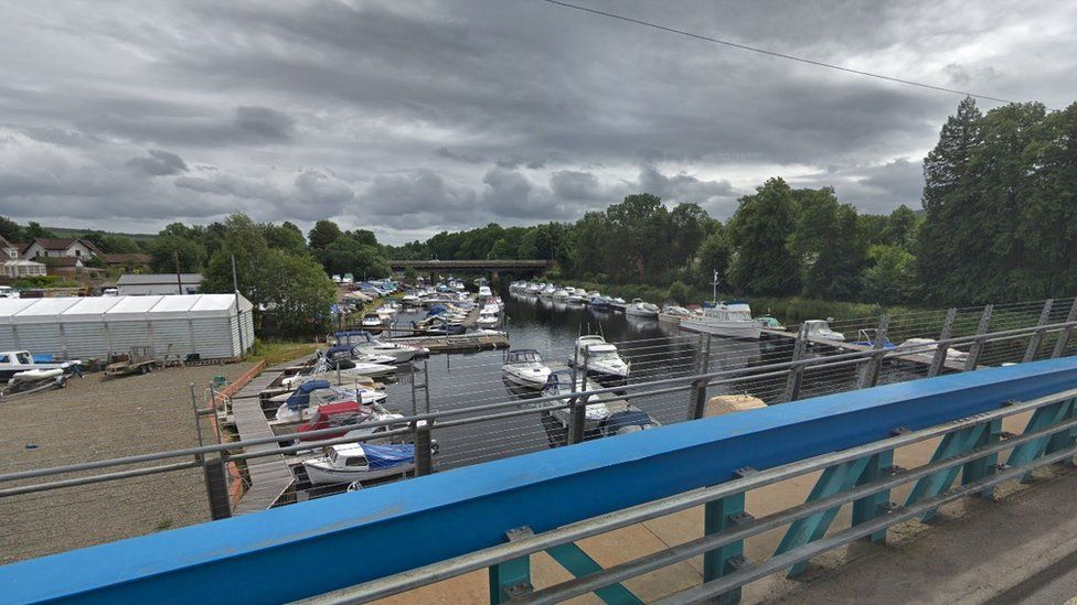 Boat sinks in Balloch after being deliberately set on fire