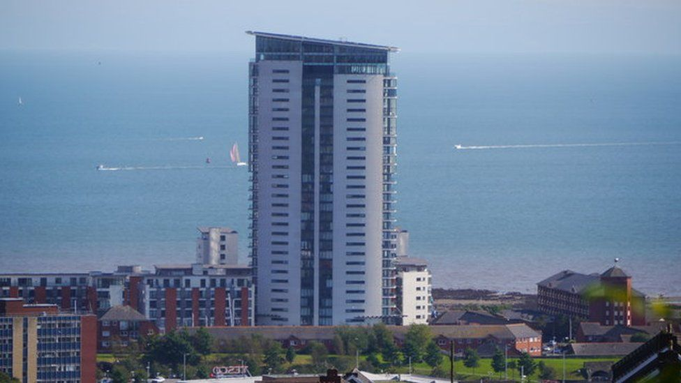 High rise fire safety: Swansea owners advised not to pay