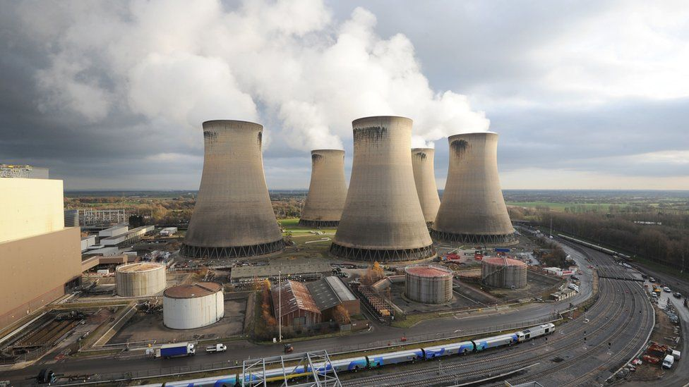 Drax power station storing CO2 gases from biomass fuel