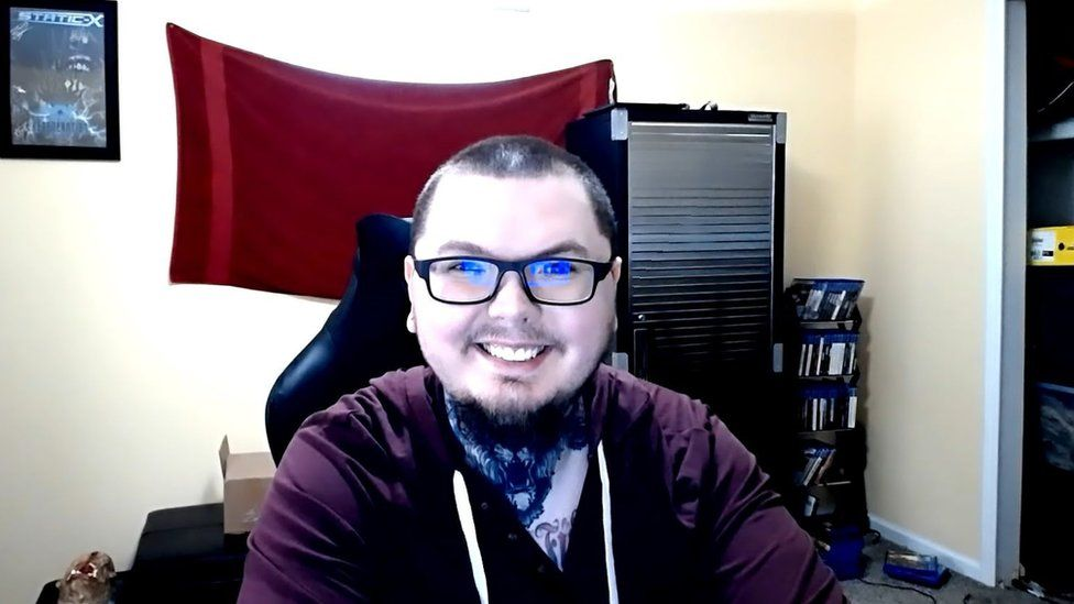 Casey Thornton is a game streamer in search of a high quality webcam