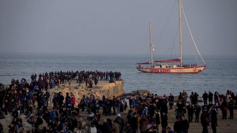 Protesters at the Mediterranean coast (18 February 2017)