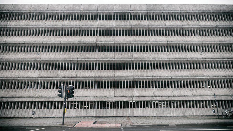 Maes Parcio Stryd Westgate // Westgate Street