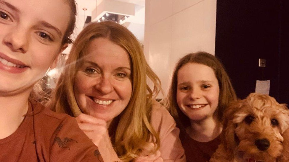 Ali Currie with her daughters Scarlet and Grace