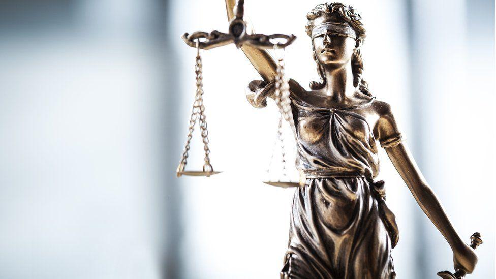 Justice : comment les préjugés peuvent affecter les juges