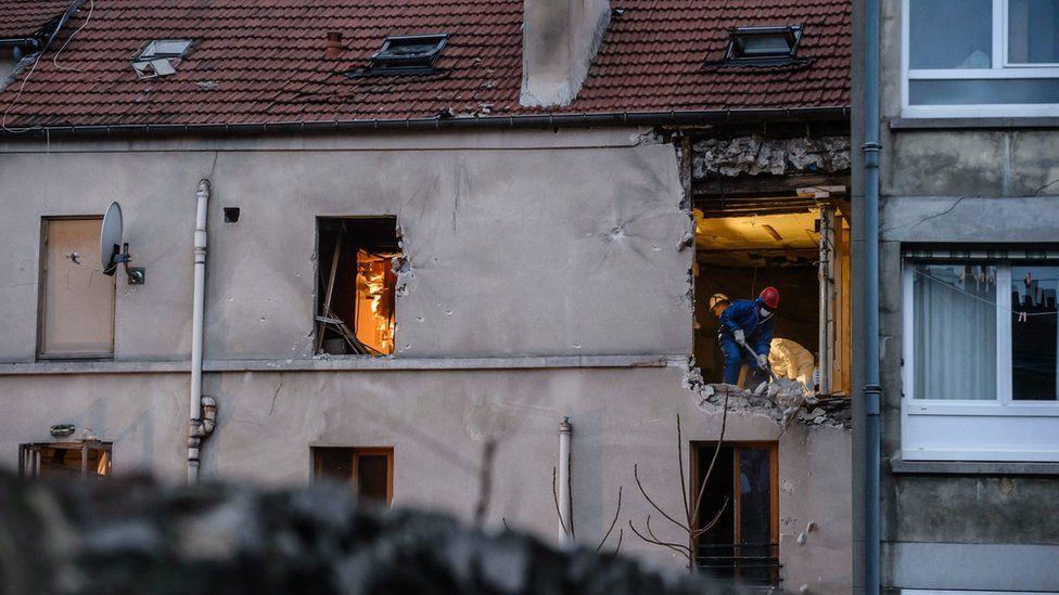 Police in flat in Saint-Denis raided by police on 18 November 2015
