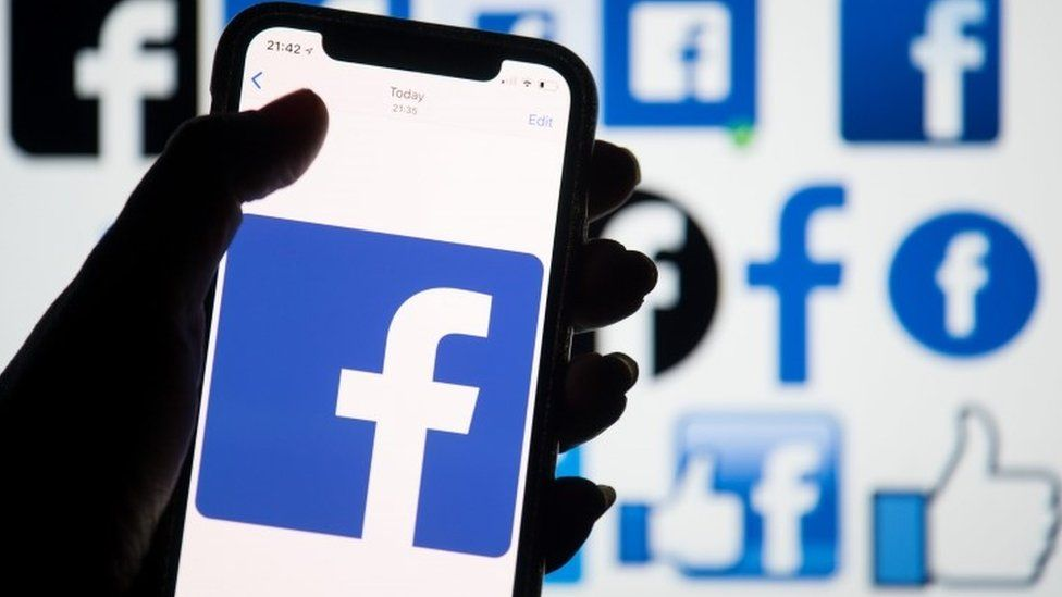 Facebook suspends tens of thousands of apps