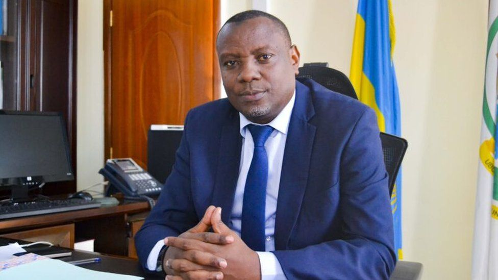 Rwanda: Evode Uwizeyimana, umunyapolitiki utavugwaho rumwe, yeguye ...