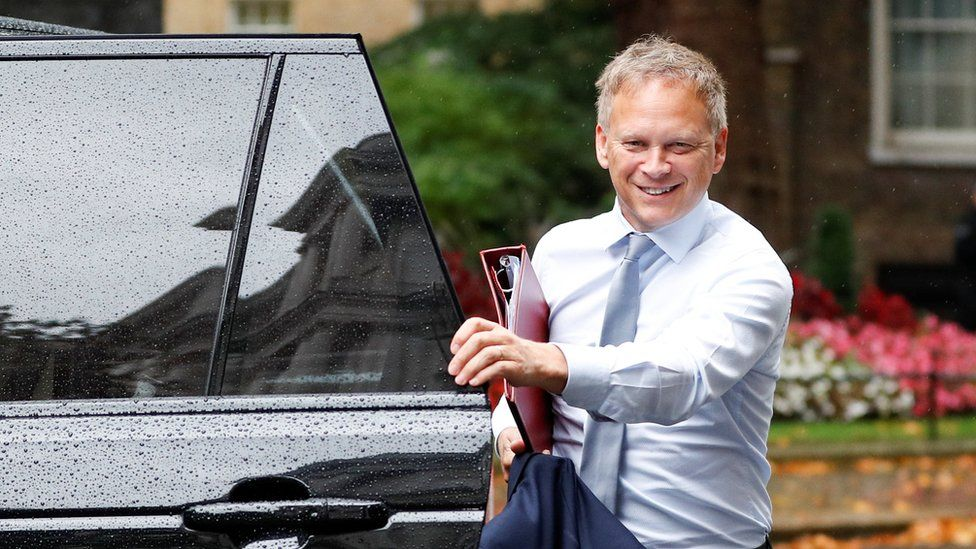 Grant Shapps arriving in Downing Street
