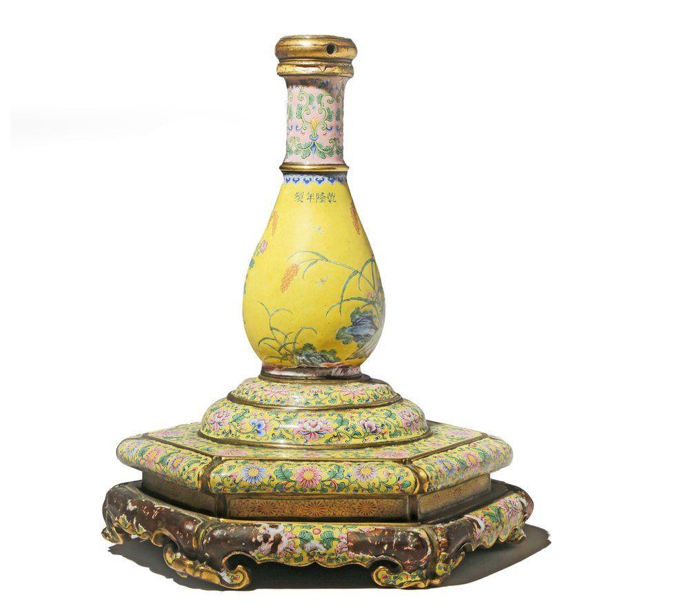 """Two quails"" vase"