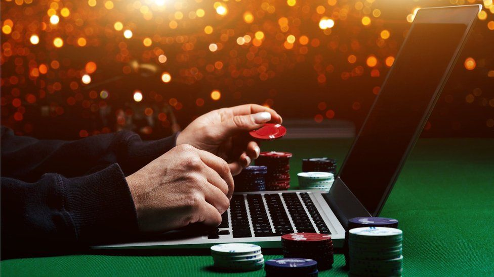 William Hill gambling site Mr Green to pay £3m penalty - BBC News