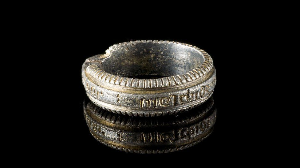 Silver-gilt ring found in Lamphey
