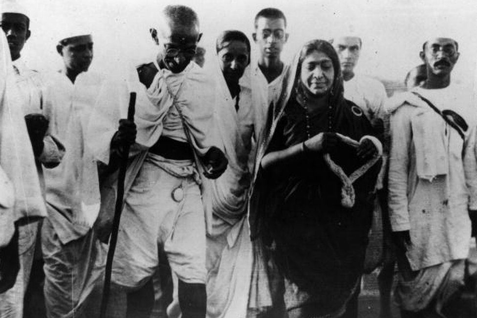 Gandhi and Sarojini Naidu during the Salt March protesting against the British colonial government's monopoly on salt production.