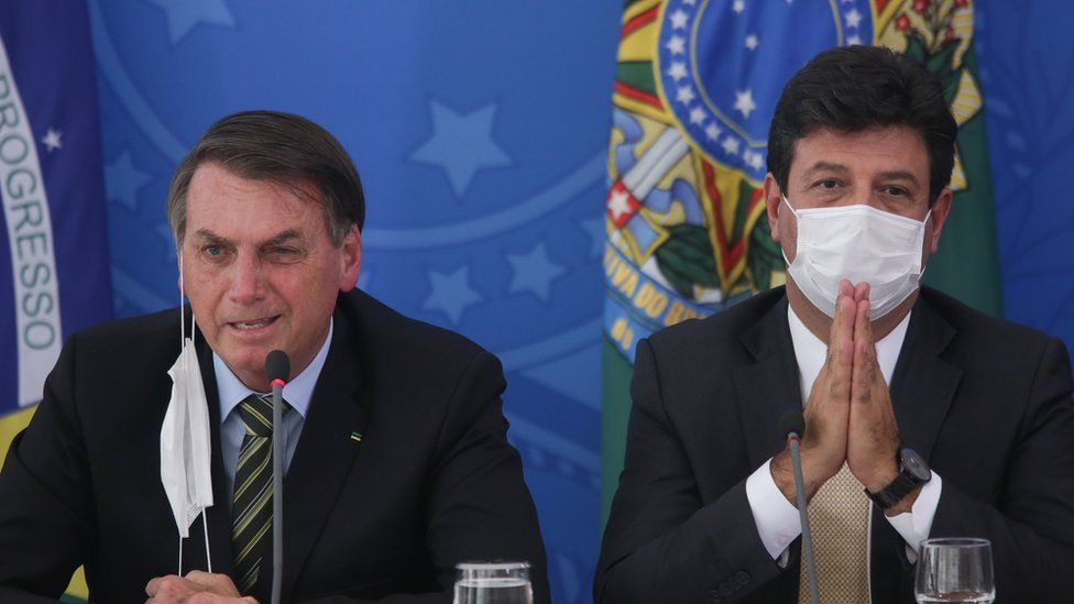 President Bolsonaro and Mr Mandetta at a briefing