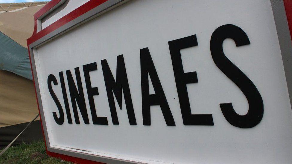sinemaes