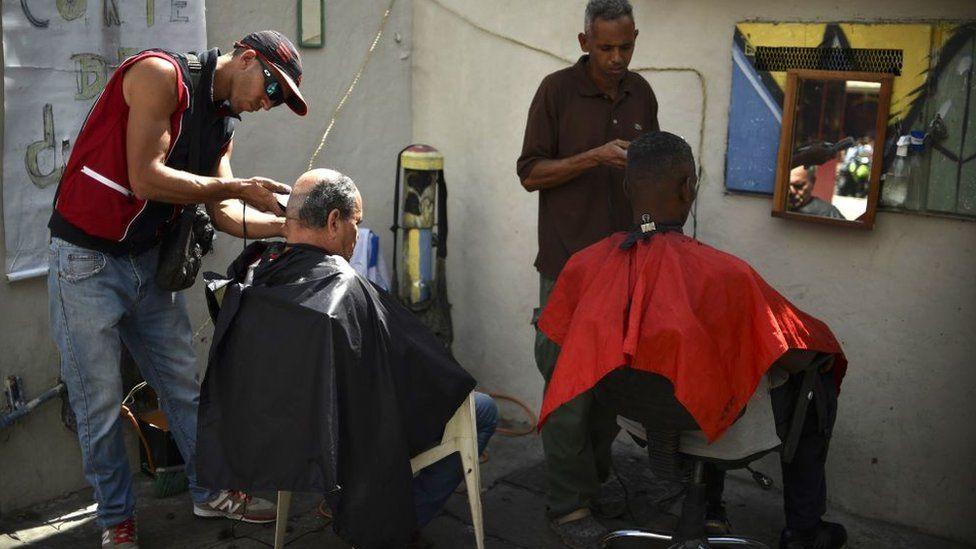 Barber in Caracas