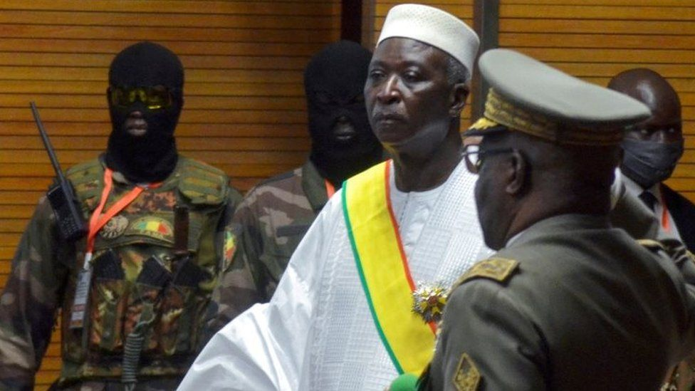 Mali  coup de tat ? President Bah Ndaw held by soldiers