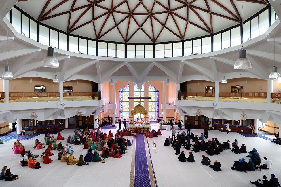 A wedding in Sri Guru Singh Sabha Sikh temple in Southall, in 2017
