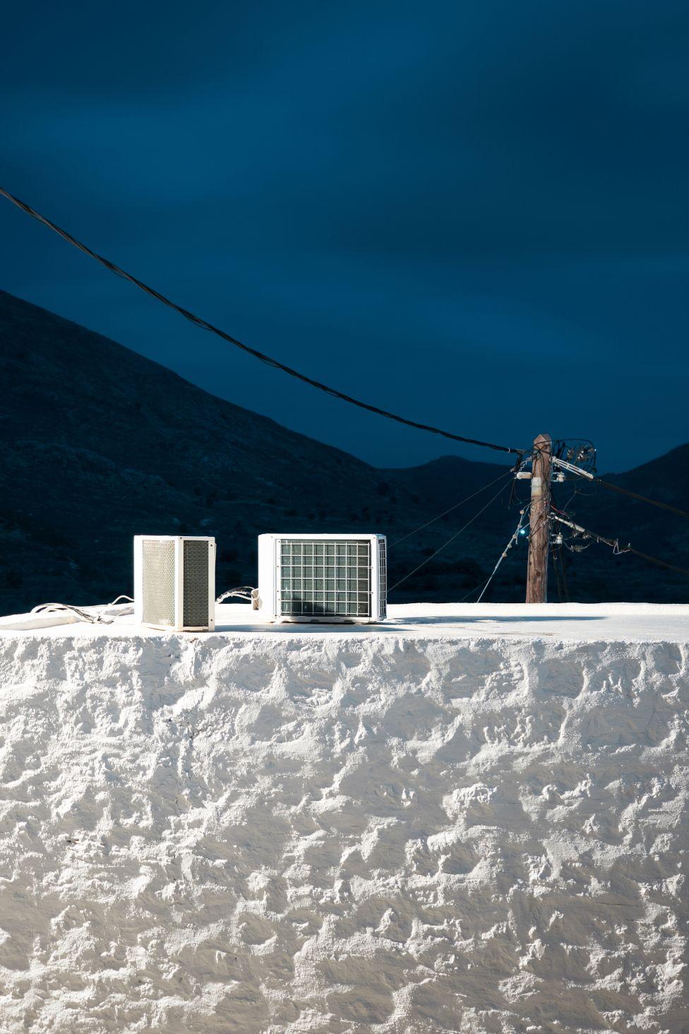 Uma cena na ilha de Tilos na Grécia