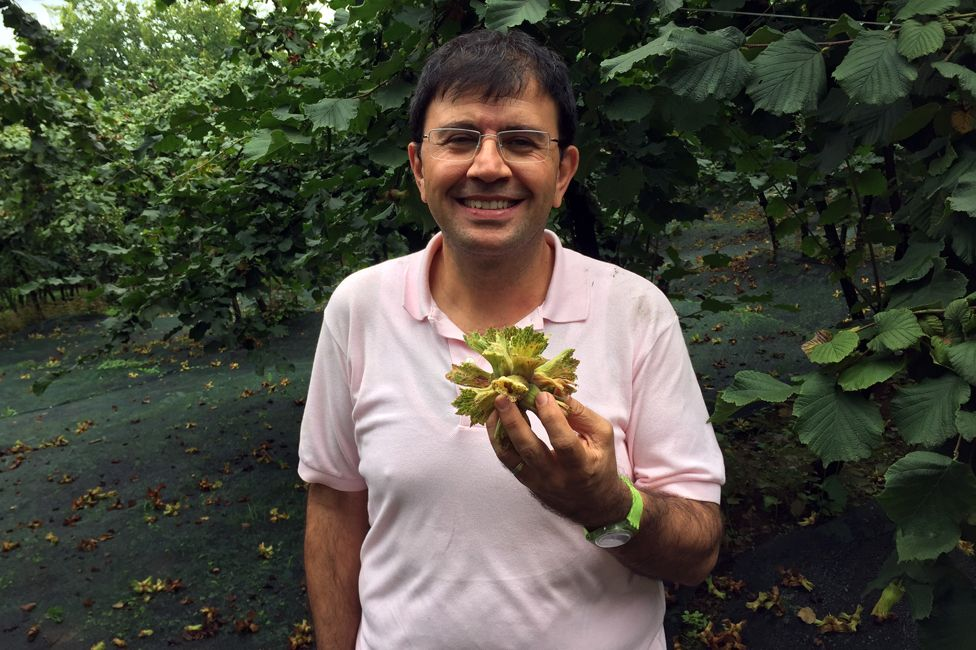 Gokhan Arikoglu with a cluster of 10 hazelnuts