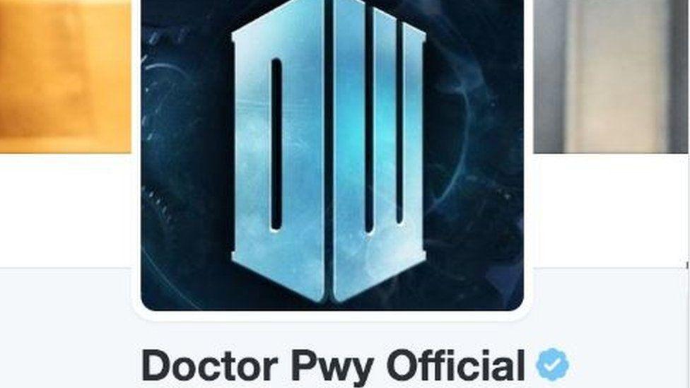 Newidodd cyfrif Twitter Dr. Who ei enw am ychydig ar ddiwrnod y gêm yn erbyn Portiwgal