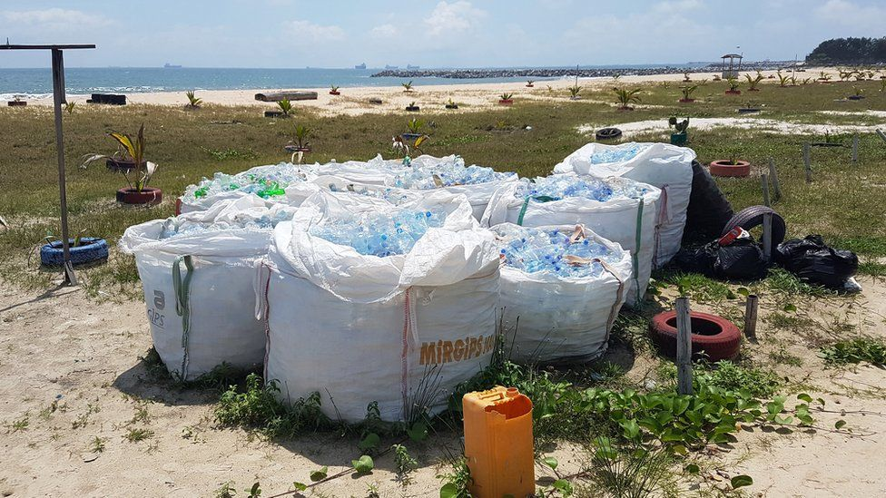 Rubbish collected on Elegushi beach